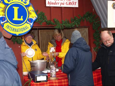 LIONS CLUB STAFFANSTORP BJUDER PÅ JULGRÖT.